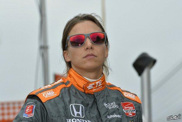 Simona de Silvestro hat ihr Cockpit sicher - Foto: Sutton
