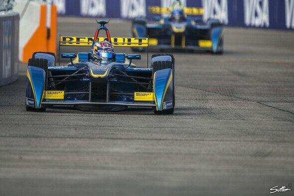 Schnell durch Elektroenergie: Sebastien Buemi in der Formel E - Foto: Sutton