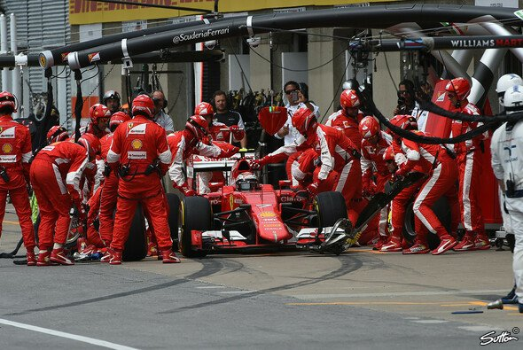 Nachtanken noch nicht vom Tisch? Ferrari fordert mehr Flexibilität bei den Boxenstopps - Foto: Sutton