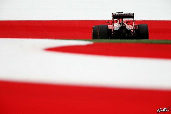 Rot weiß rot mag schön sein - aber nicht in der Auslaufzone - Foto: Sutton
