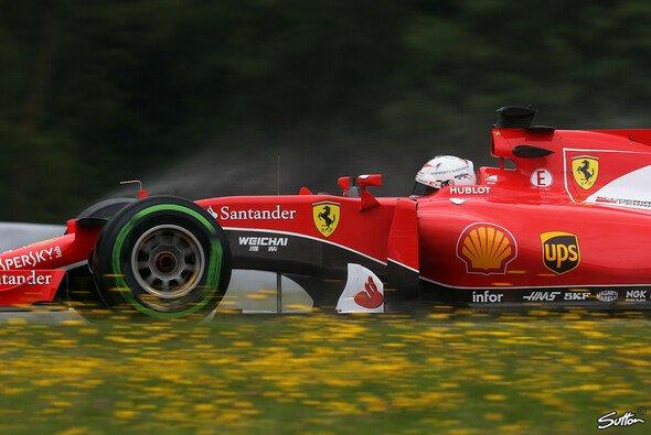 Sebastian Vettel holte sich erneut die Bestzeit - Foto: Sutton