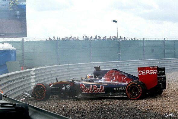 Auf dem Abstellgleis: Sowohl Max Verstappen als auch Carlos Sainz Jr. sahen das Ziel nicht - Foto: Sutton