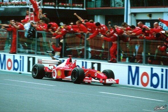 Michael Schumachers Weltmeister-Ferrari von 2002 wird beim Formel-1-Finale 2019 in Abu Dhabi versteigert - Foto: Sutton