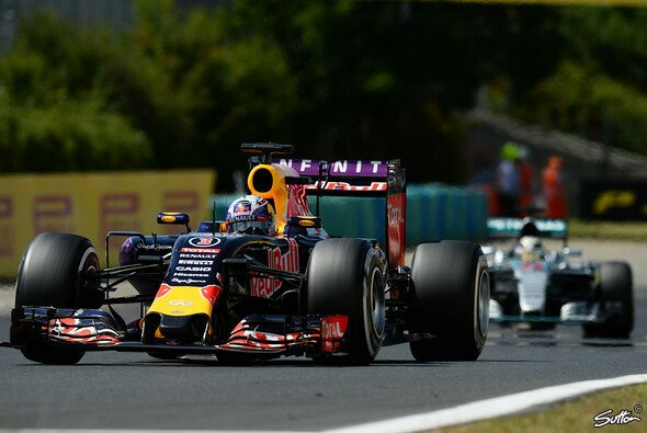 Red Bull vor Mercedes? Wenn, dann in Singapur - Foto: Sutton
