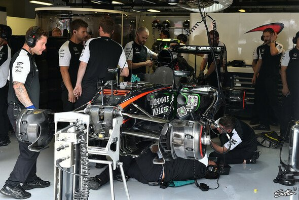 Da gab es nicht mehr viel zu beschönigen: Jenson Button musste eine komplette Session aussetzen - Foto: Sutton