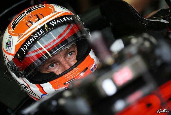 McLaren will nicht erst am Jahresende entscheiden, ob Button auch im nächsten Jahr ein Cockpit bekommt - Foto: Sutton