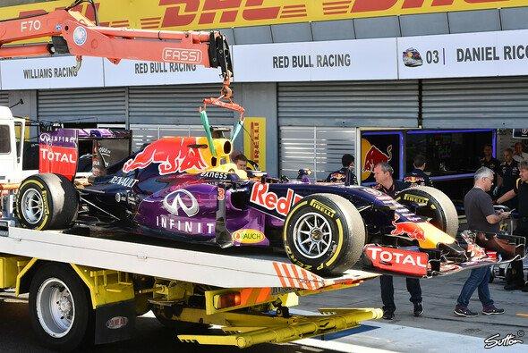 Motorschaden bei Red Bull: Ricciardo hat es in Monza erwischt - Foto: Sutton