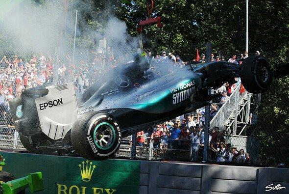 Nico Rosberg hatte in Monza doppeltes Motoren-Pech - Foto: Sutton