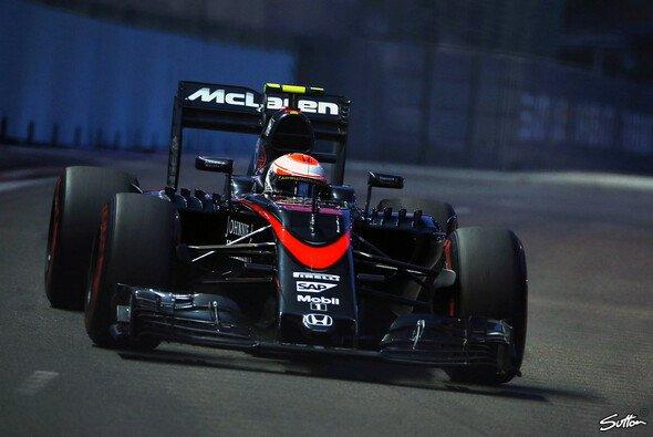 Nach dem Debakel in Singapur muss McLaren neue Motivation für Japan finden - Foto: Sutton