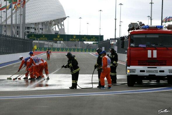 Die Feuerwehr musste in Sochi ausrücken - Foto: Sutton