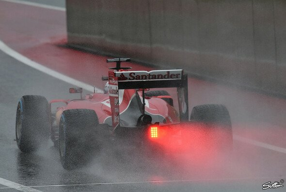 Zwei Regentesttage sollen Pirelli bei der Entwicklung der Full-Wets helfen - Foto: Sutton