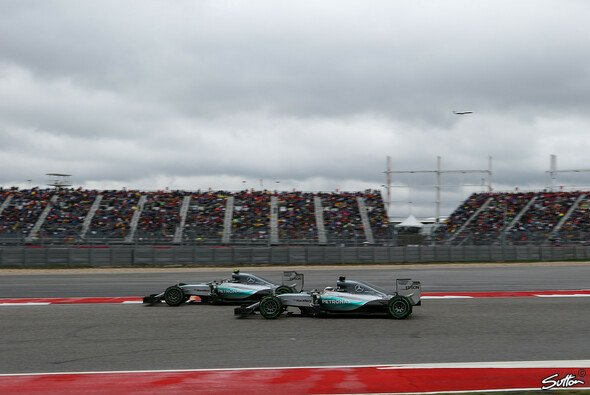 Das Mercedes-Duell eskalierte in Austin - Foto: Sutton