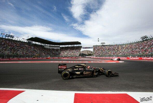 Grosjean ist trotz P12 zu Scherzen aufgelegt - Foto: Sutton