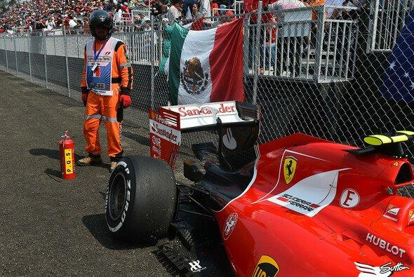 Kimi Räikkönen fällt in Mexiko zum fünften Mal in dieser Saison aus - Foto: Sutton