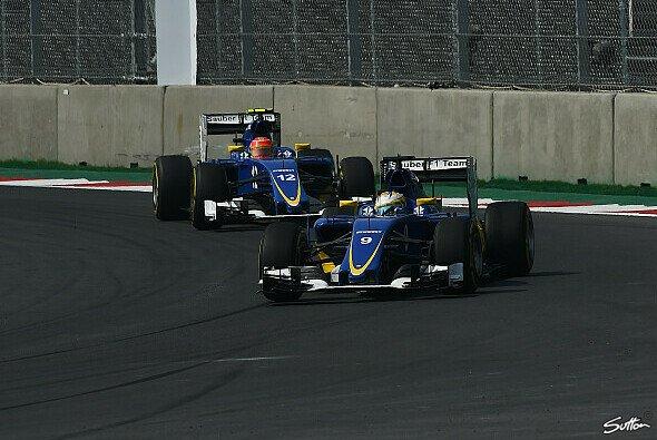 Marcus Ericsson und Felipe Nasr verpassten die Punkte in Abu Dhabi - Foto: Sutton