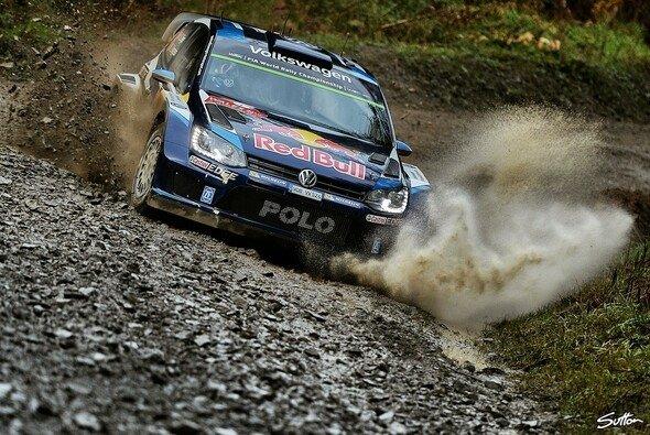 Sébastien Ogier beim Shakedown zur Rallye Großbritannien - Foto: Sutton