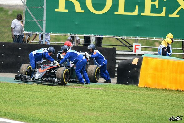 Technische Probleme prägten das Jahr von McLaren-Honda - Foto: Sutton