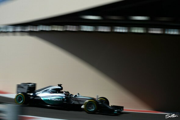 Lewis Hamilton sicherte sich die Bestzeit in Abu Dhabi - Foto: Sutton