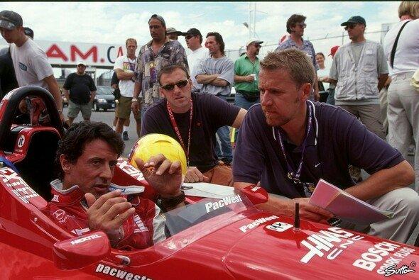 Sylvester Stallone bei den Filmarbeiten zu 'Driven' - Foto: Sutton