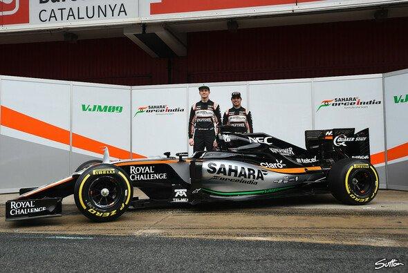 Sergio Perez und Nico Hülkenberg zeigten am Montagmorgen ihr neues Arbeitsgerät - Foto: Sutton