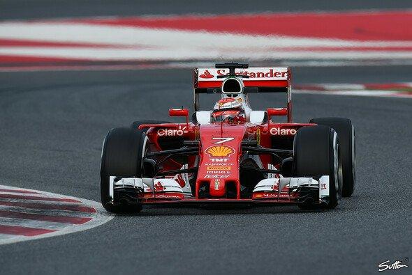 Räikkönen steckte zwischen mehreren Problemen und schnellen Zeiten - Foto: Sutton