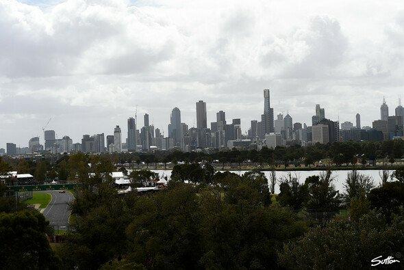 In Melbourne startet die Formel 1 in die neue Saison - Foto: Sutton