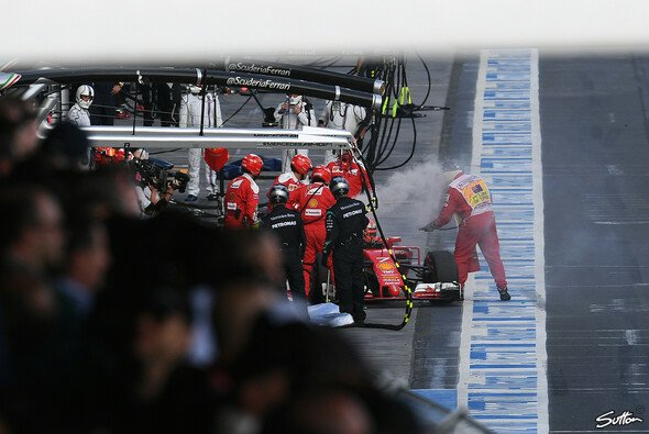 Ein starkes Rennen im Ferrari endet für Kimi Räikkönen vorzeitig mit einem Defekt - Foto: Sutton