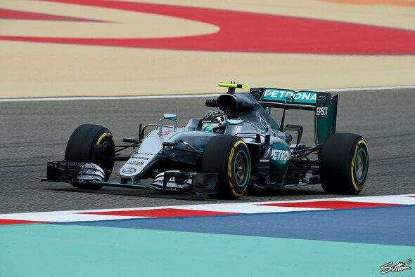 Nico Rosberg erzielte im zweiten Training die Bestzeit - Foto: Sutton