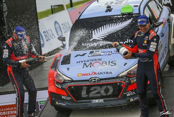 Hayden Paddon ist der Sieger der Rallye Argentinien - Foto: Sutton