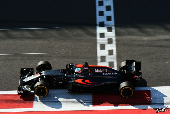 Alonso machte in Russland die ersten Punkte der Saison - Foto: Sutton