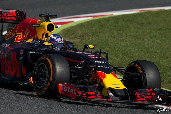 Red Bull setzte sich gegen Ferrari durch - Foto: Sutton
