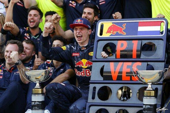 Max Verstappens erster Formel-1-Sieg war in jeder Hinsicht eine Sensation - Foto: Sutton
