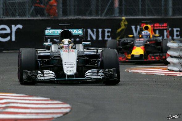 Lewis Hamilton gewinnt den Monaco GP vor Daniel Ricciardo - Foto: Sutton