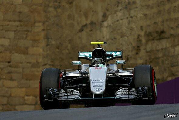 Mercedes fuhr in Aserbaidschan in einer eigenen Liga - Foto: Sutton