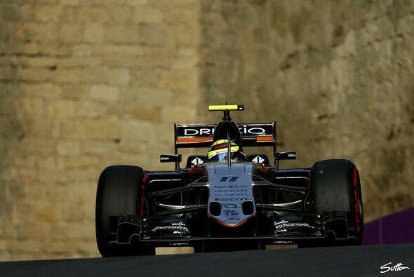 Trotz P2 im Qualifying startet Sergio Perez in Baku nur von P7 - Foto: Sutton