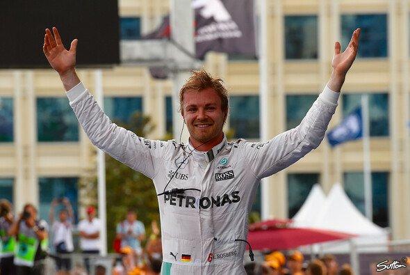 Rosberg gewinnt in Baku - Foto: Sutton
