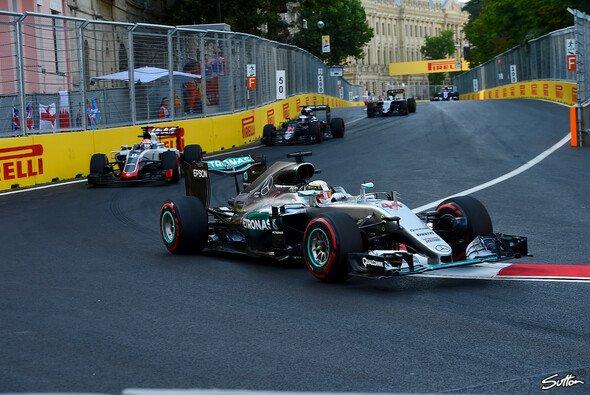 Lewis Hamilton musste sich in Baku mit Problem herumschlagen - Foto: Sutton