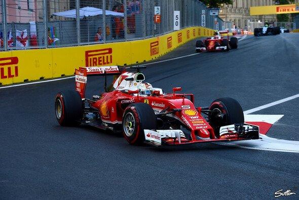 Sebastian Vettel fand in Baku schnell in den Rhythmus - Foto: Sutton