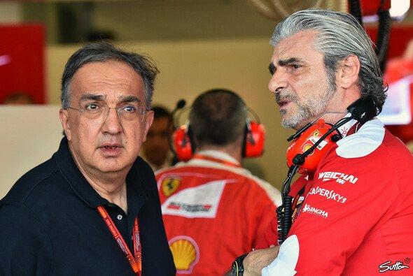 Ex-Ferrari-Präsident Sergio Marchionne und Teamchef Maurizio Arrivabene - Foto: Sutton