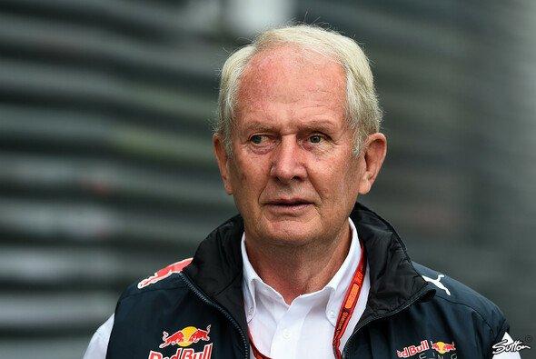 Dr. Helmut Marko ärgerte sich über den Red Bull Doppelausfall in Bahrain - Foto: Sutton