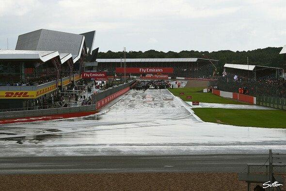 Der Grand Prix zum 70. Jubiläum der Formel 1 in Silverstone könnte nass werden - Foto: Sutton