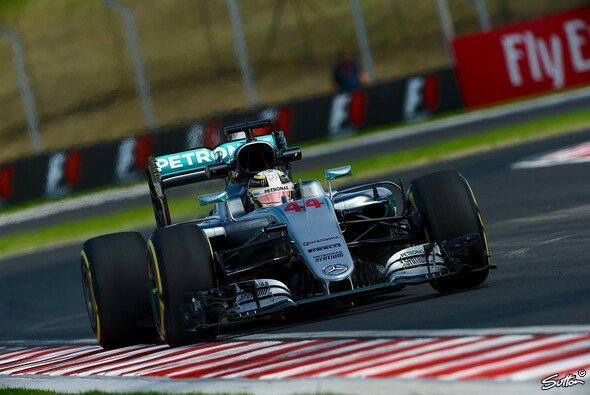Lewis Hamilton hatte im 2. Training zum Ungarn GP der Formel 1 einen Unfall und konnte die Session nicht beenden - Foto: Sutton