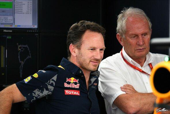 Die Chefetage von Red Bull war von Daniel Ricciardos Renault-Wechsel mehr als überrascht - Foto: Sutton