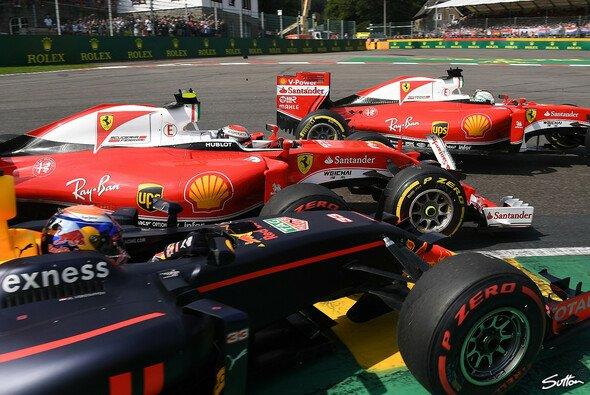 Werden in diesem Leben keine Freunde mehr: Max Verstappen, Kimi Räikkönen und Sebastian Vettel - Foto: Sutton