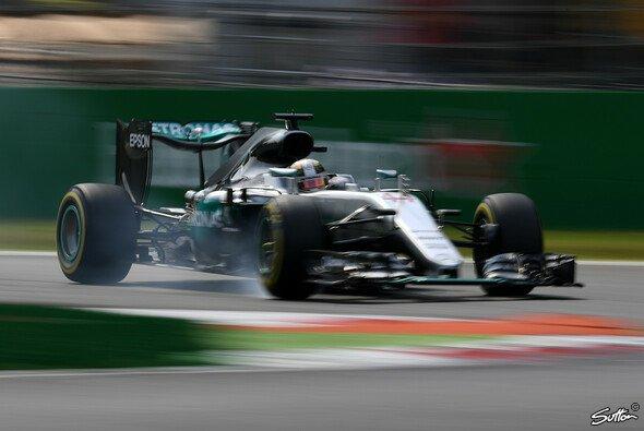 Lewis Hamilton startet in Monza zum fünften Mal von der Pole Position - Foto: Sutton