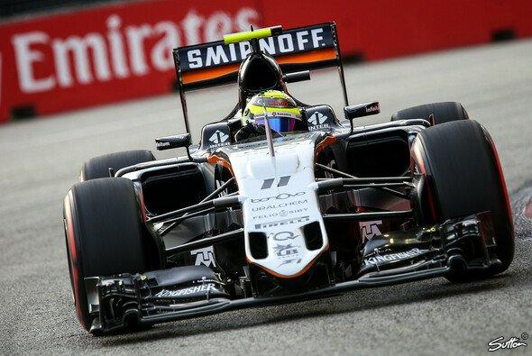 Sergio Perez muss sich für eine Zeitverbesserung unter Gelb rechtfertigen - Foto: Sutton