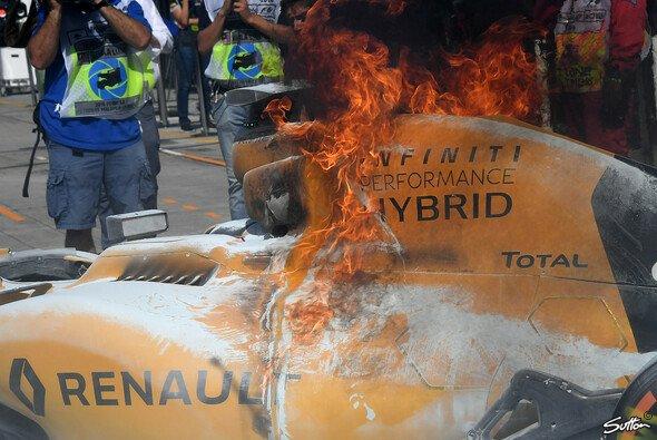 Der Renault fing einst bei einem Mexiko-Test Feuer - Foto: Sutton