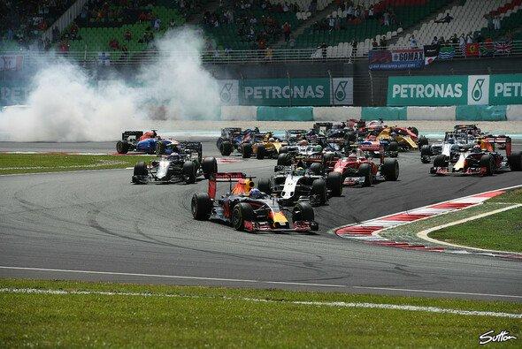 Daniel Ricciardo gewinnt den Malaysia GP vor Teamkollege Max Verstappen - Foto: Sutton