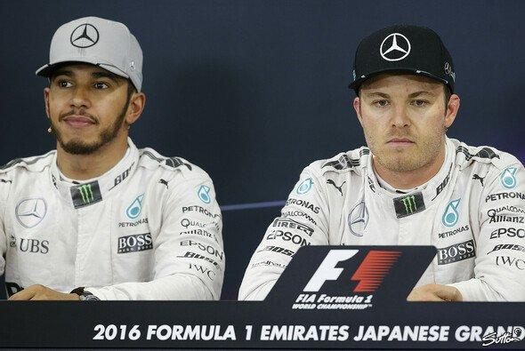 Lewis Hamilton fühlte sich neben Nico Rosberg bei Mercedes selbst in den Meetings unwohl - Foto: Sutton