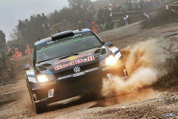 Sebastien Ogier kämpft in Großbritannien für Volkswagen um den Hersteller-Titel - Foto: Sutton